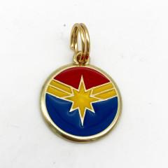 Pingente Capitã Marvel - Coleção Super Heróis